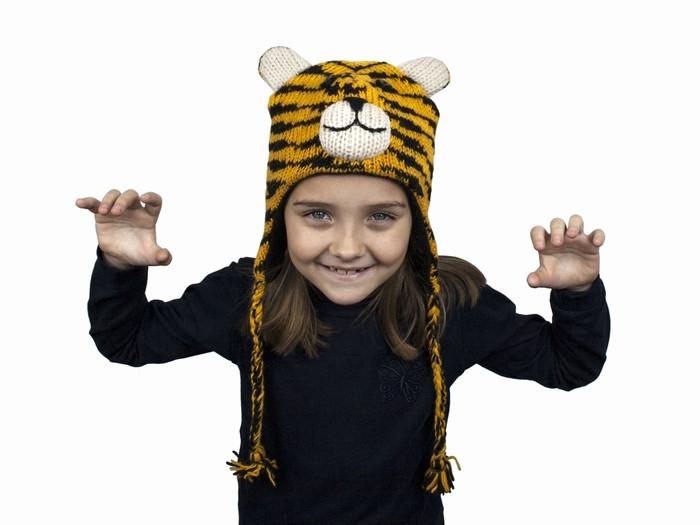 Вязаная шапка для мальчика Тигр