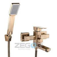 Смеситель для ванны с душем Zegor LEB3-A-H (LEB3-A-H) однорычажный с коротким изливом цвет бронза