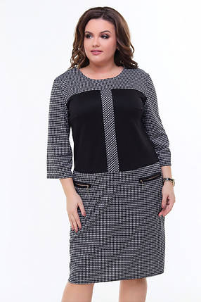 """Прямое трикотажное платье в клетку """"Linda"""" с контрастными вставками (большие размеры), фото 2"""