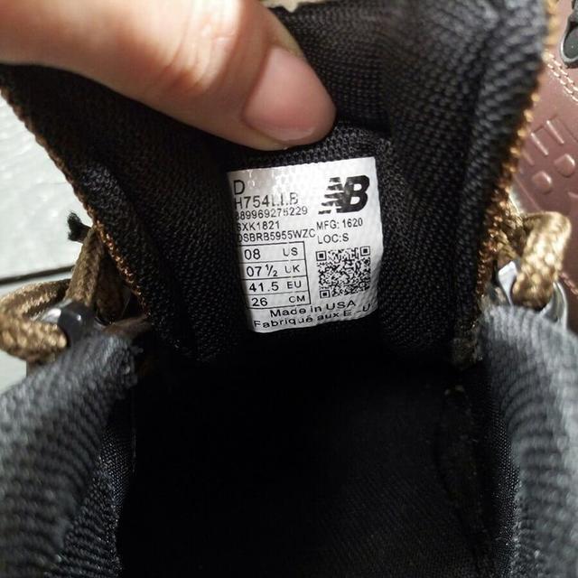 Как отличить оригинальные кроссовки от подделки фото