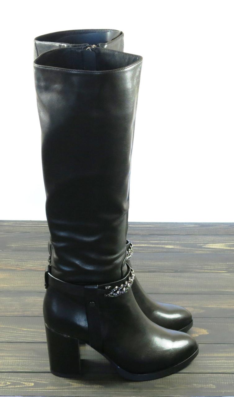 Зимние женские сапоги на каблуке Fabio Monelli кожаные