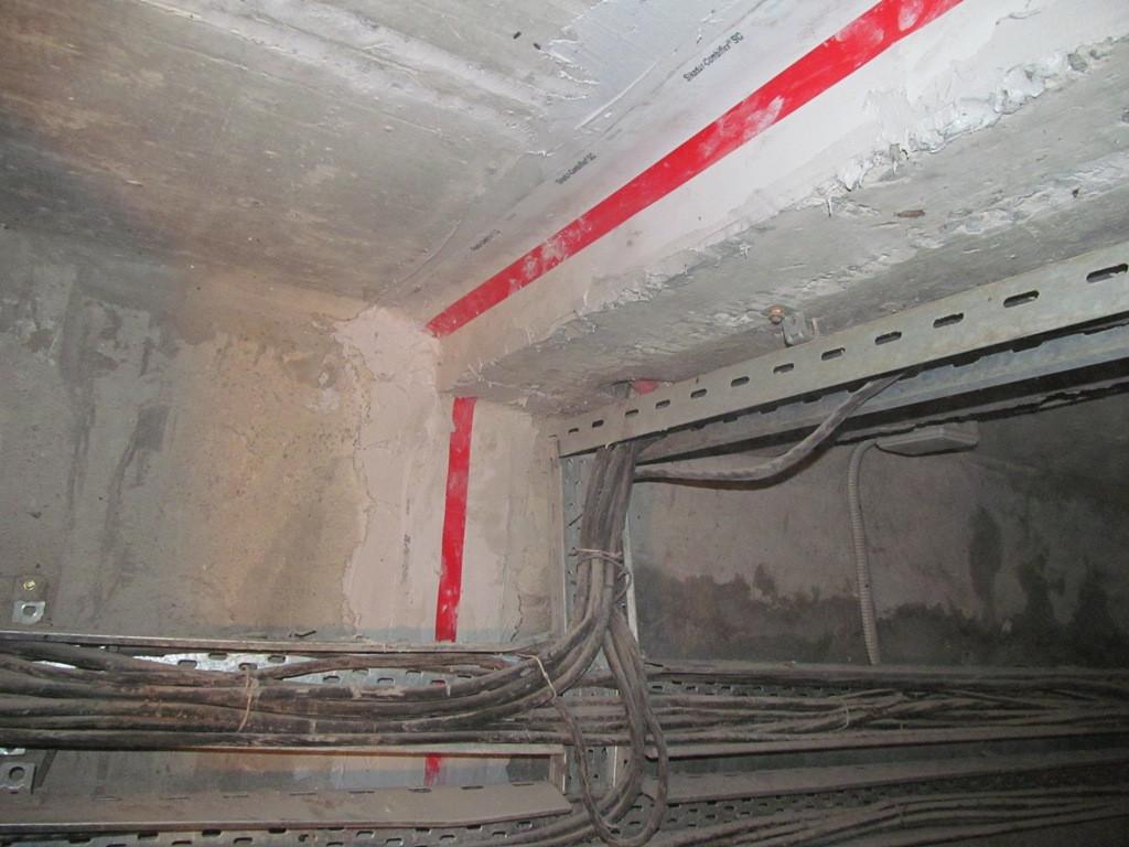 Лента, за счет своей эластичности позволяет герметизировать швы, которые находятся конструктивно в разных плоскостях. С помощью ленты герметизируются вертикальные швы на стенах галереи, потолочные продольные и поперечные швы и  швы на полу.