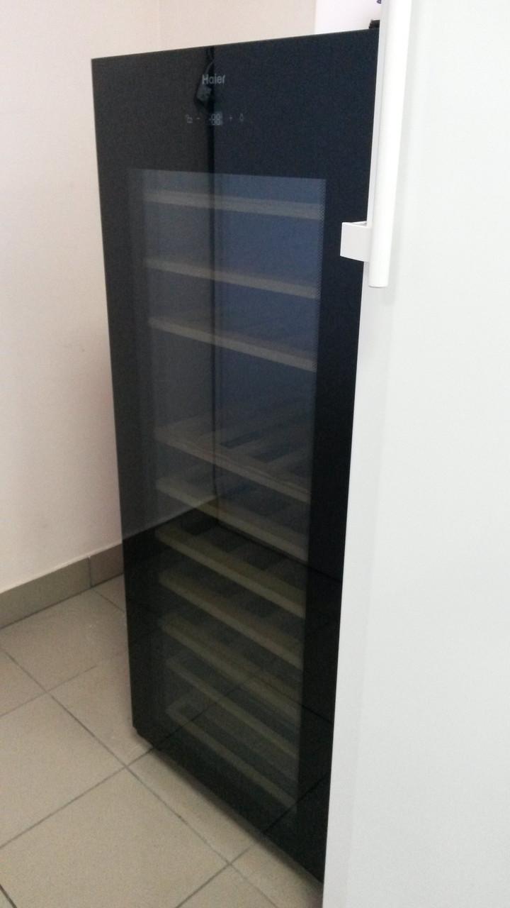 Холодильник для вина /винный шкаф Haier