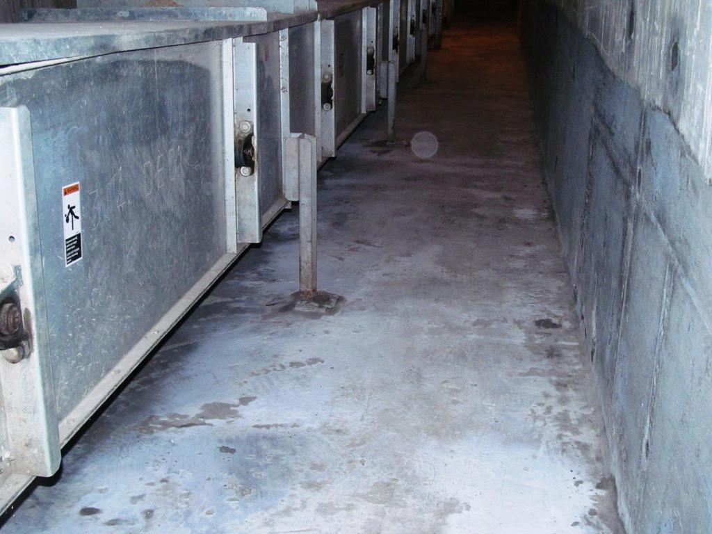 Благодаря своим особенностям, система проникающей гидроизоляции Пенекрит и Пенетрон позволяют обеспечить полную герметичность норийных приямков или подземных галерей изнутри конструкции.