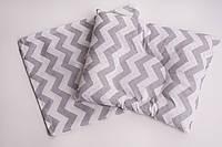 """Подушка для новорожденного """"Серый зигзаг"""""""