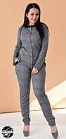 Женский брючный костюм с блейзером серого цвета. Модель 19976. Размеры 50-56., фото 1