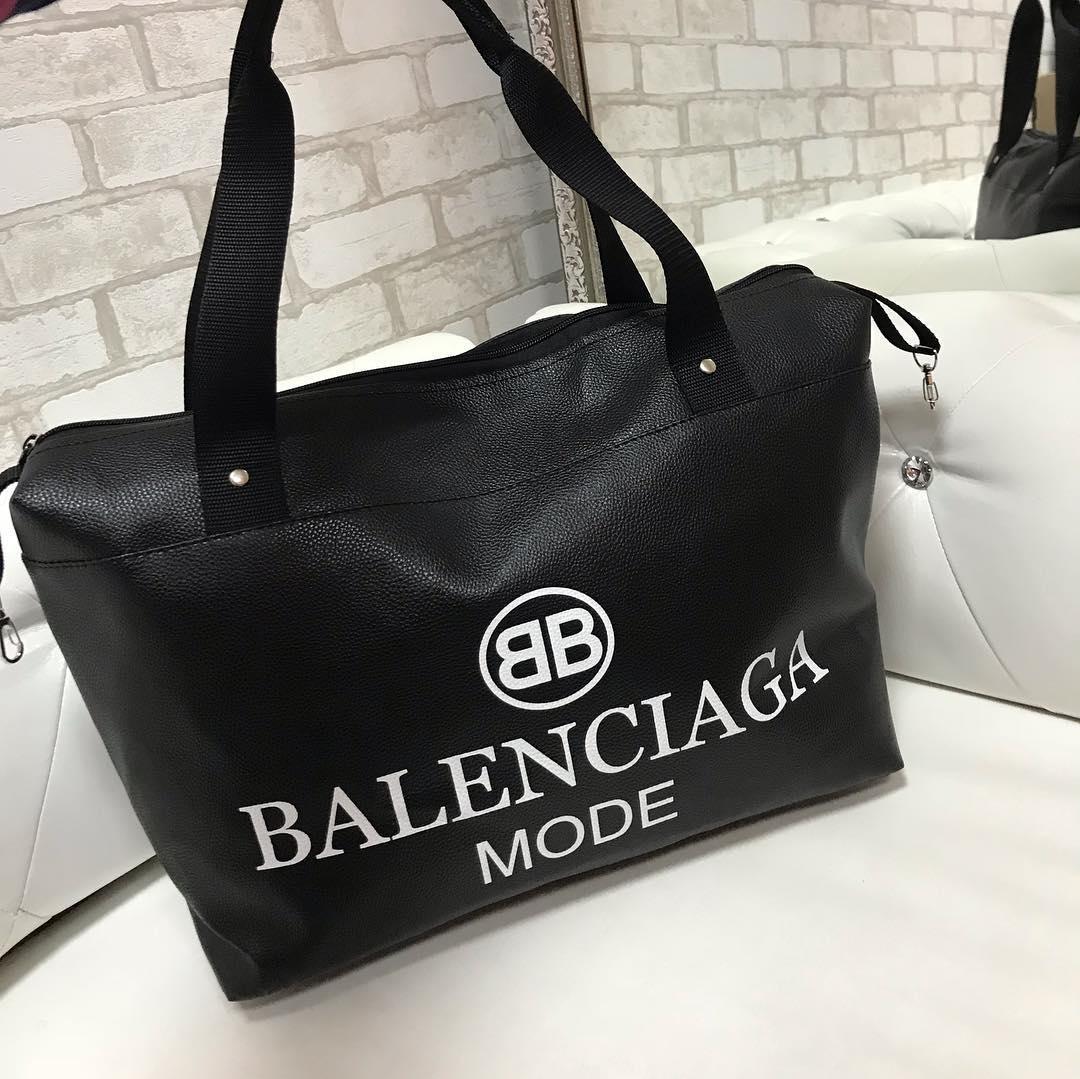 03716ecee85c Спортивная большая вместительная сумка BALENCIAGA : продажа, цена в ...