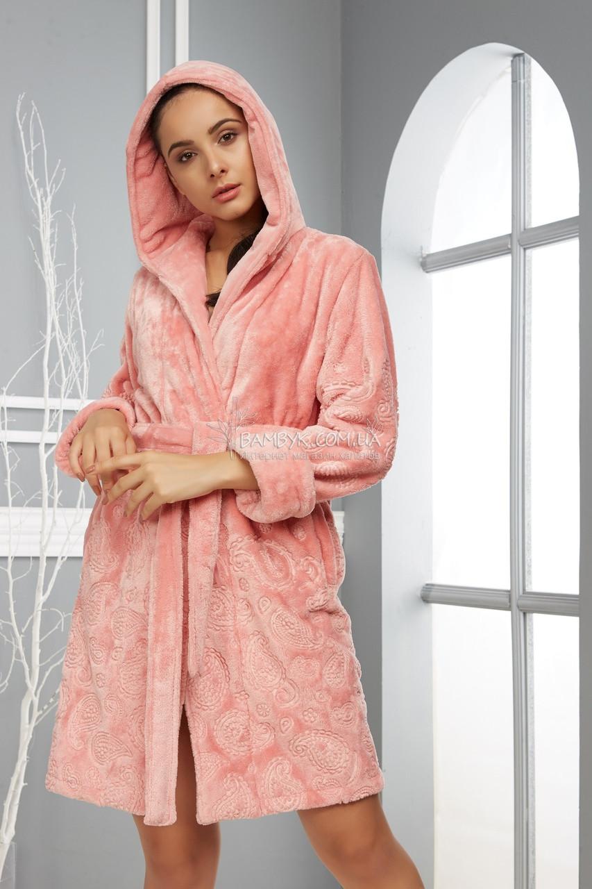 Плюшевый халат с капюшоном цвета пудра Nusa NS-8385