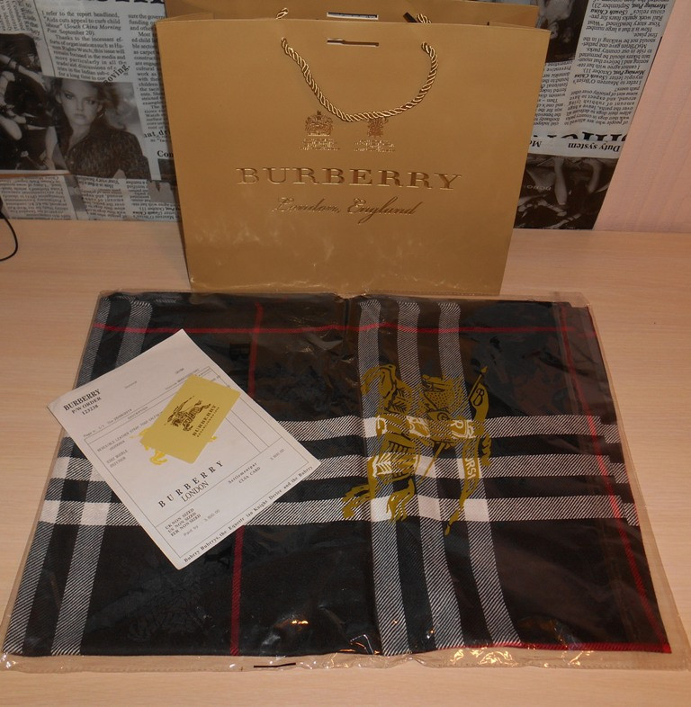 Шарф палантин шаль Burberry, Италия, оригинал  продажа, цена в ... 09f6148322b