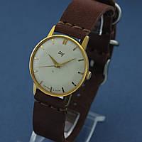 Свет наручные механические часы СССР , фото 1