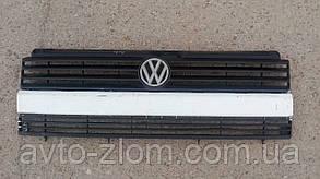 Решетка радиатора Volkswagen Transporter T4.