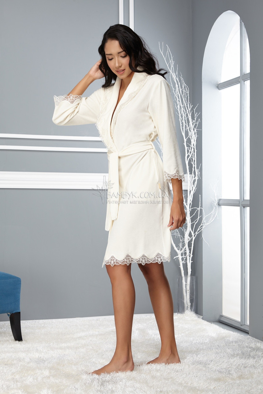 a26c740e45d6 Красивый велюровый халат с гипюром кремового цвета пудры Nusa (новинка от  бренда) NS-