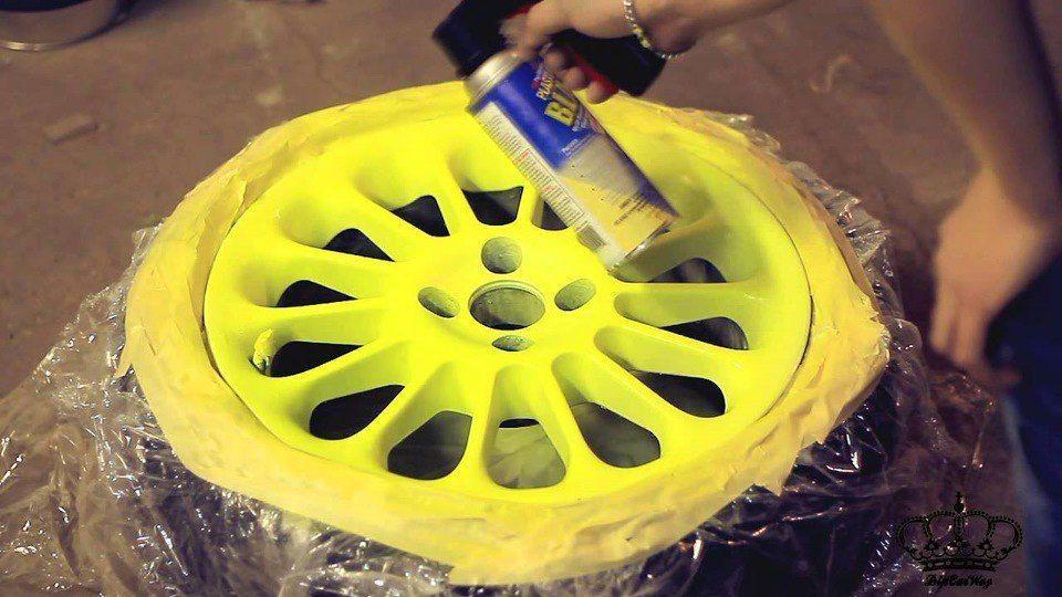 Жидкая резина для авто в баллончике Пластидип