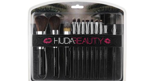Набор кисточек для макияжа Huda Beauty 12в1