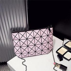 Стильные геометрические сумки от Issey Miyake