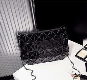 Стильные женские сумки от Issey Miyake