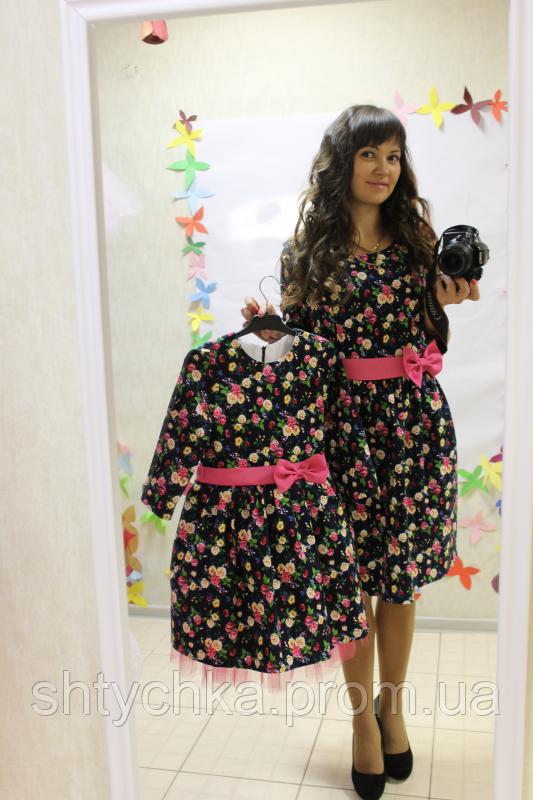 """Нарядное платье на маму и доченьку в стиле фемели лук """" Льняной цветочек"""" на темно синем фоне."""