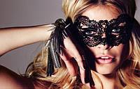 Сексуальная черная кружевная маска.