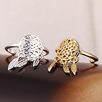 Кольцо с подвеской – мечта девушки, следящей за модными тенденциями