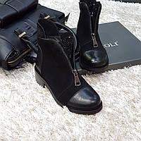 Ботинки женские зимние из натуральной замши и натурального меха на плоской подошве черные
