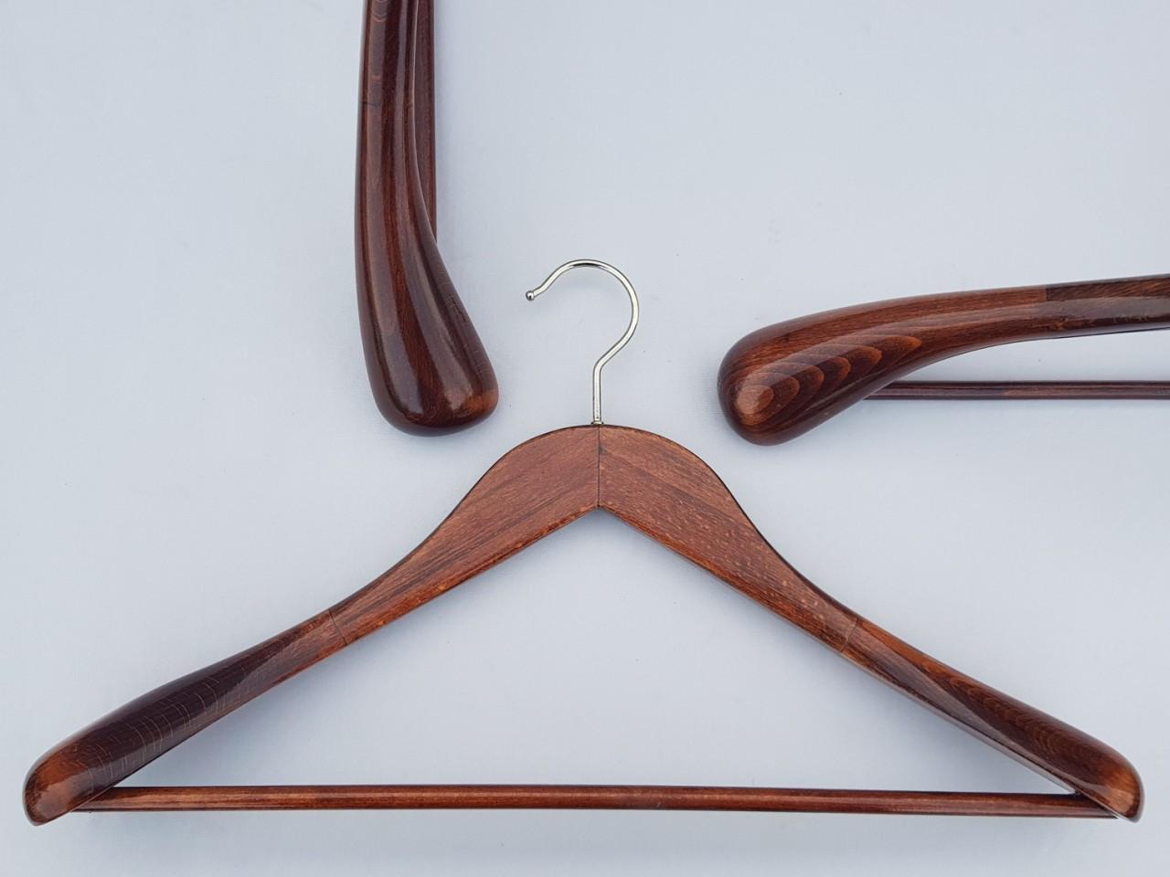 Плечики вешалки деревянные Mainetti коричневого цвета, 45 см