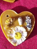 Валентинка из пчелиного воска с ароматом лаванды на День Святого Валентина