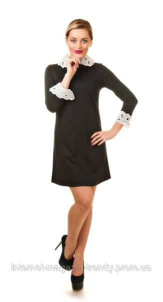 Платье  короткое с кружевными манжетами 086-2