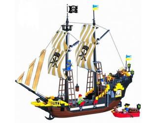 Конструктор BRICK 307 Пиратский корабль, 590 деталей