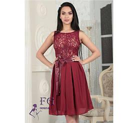 """Красивое вечернее платье короткое без рукавов с гипюром и шифоновой юбкой """"Джулия"""" бордовое"""