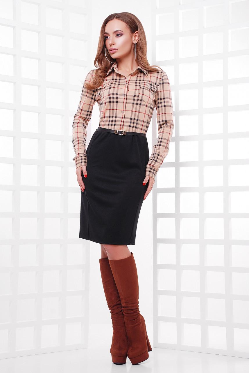 Женское офисное платье по колено с верхом-рубашкой в клетку бежевого цвета