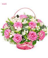 """Красивая корзинка из розовых роз """"Весенний мотив"""""""