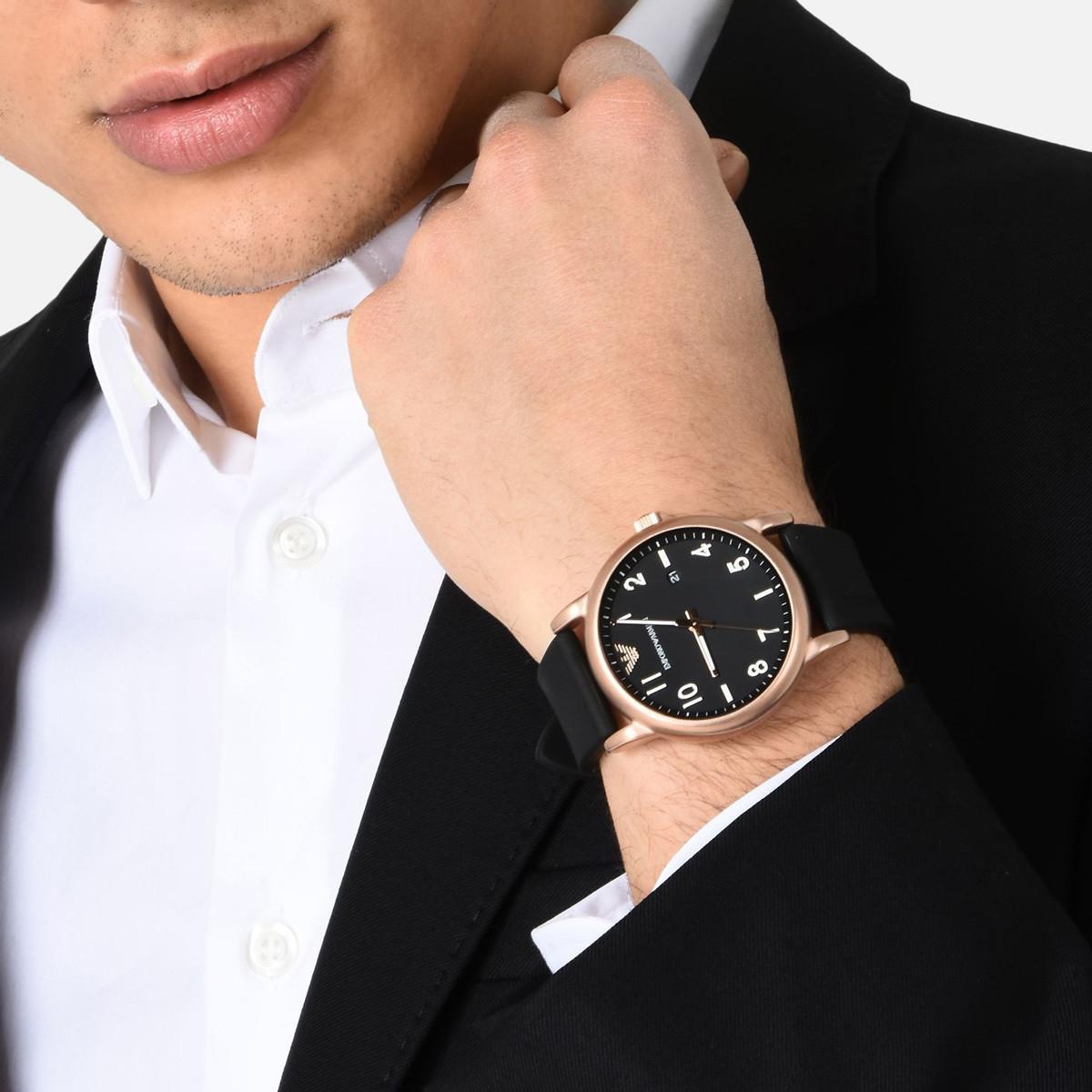 Мужские часы: модные тенденции и функциональность