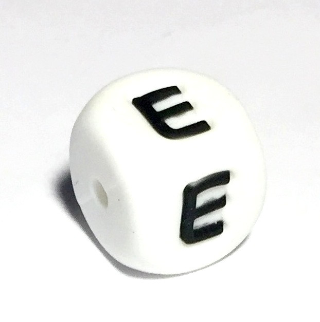 Літера Е (силіконові намистини)