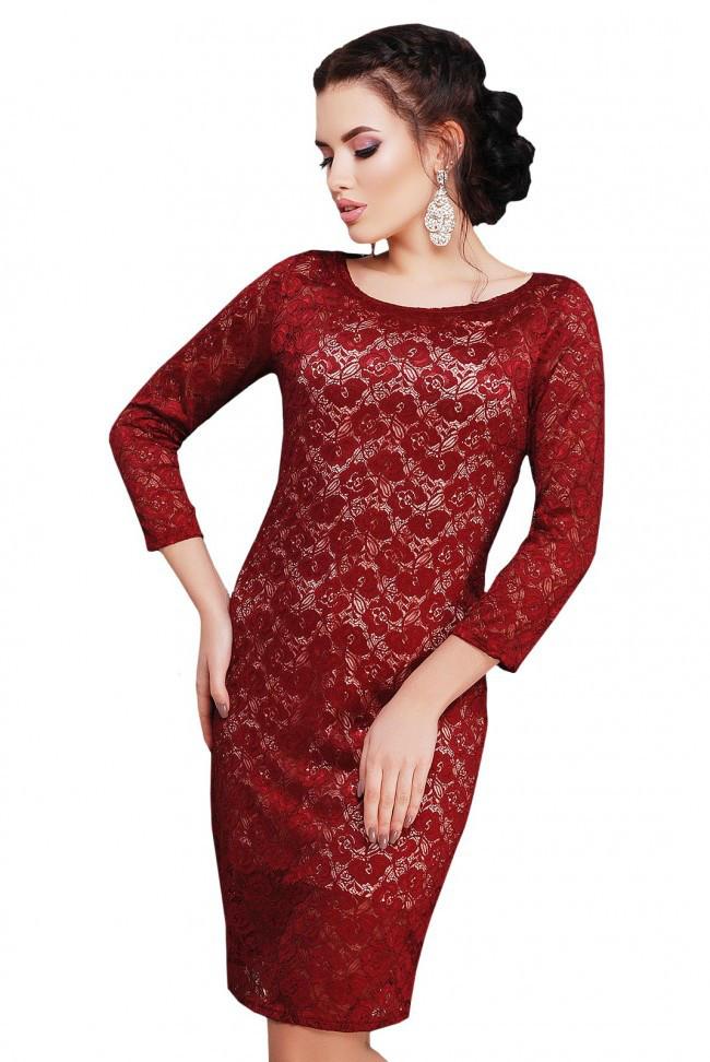 86096113f3e629 Нарядное облегающее платье средней длины с гипюром, рукав 3/4