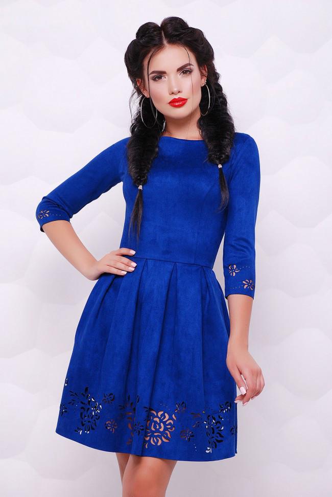 """Нарядное приталенное платье цвета электрик из экозамши с перфорацией, рукав 3/4 """"Violet"""""""