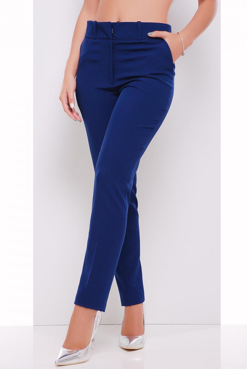 Классические женские брюки слегка зауженные, средняя посадка, однотонные синие