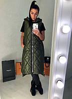 Женская длинная стеганная жилетка на молнии спереди и по бокам и с капюшоном Батал, фото 1
