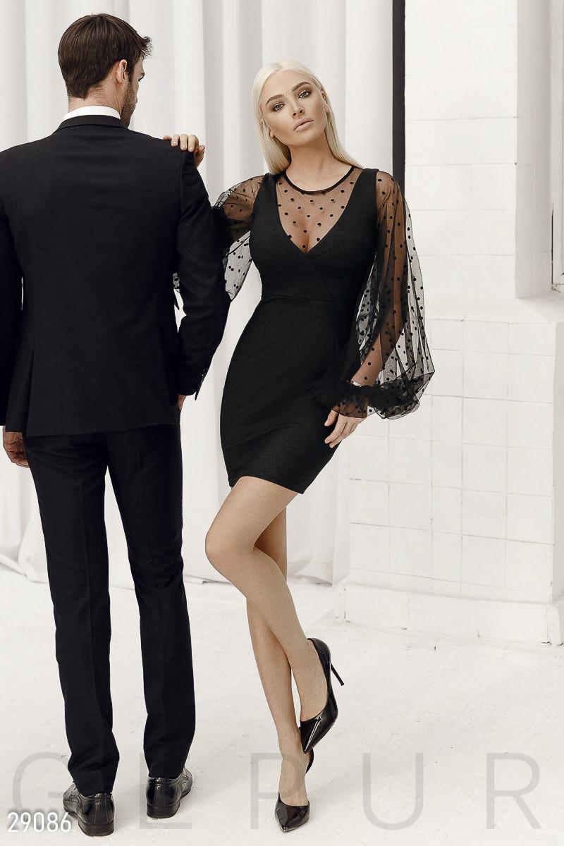 Женское платье-мини с пышными рукавами