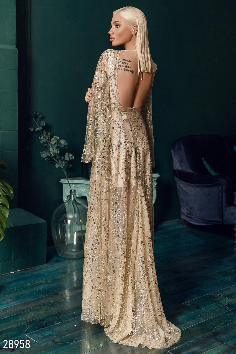 Элегантное платье-сетка в пол бежевого цвета