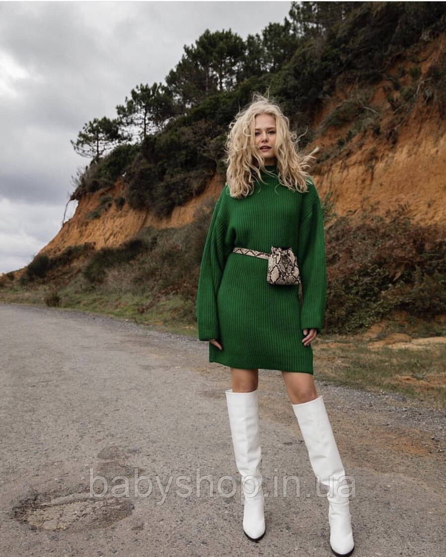 Теплое женское платье. Размер универсал 42-46. Цвет зеленый и красный