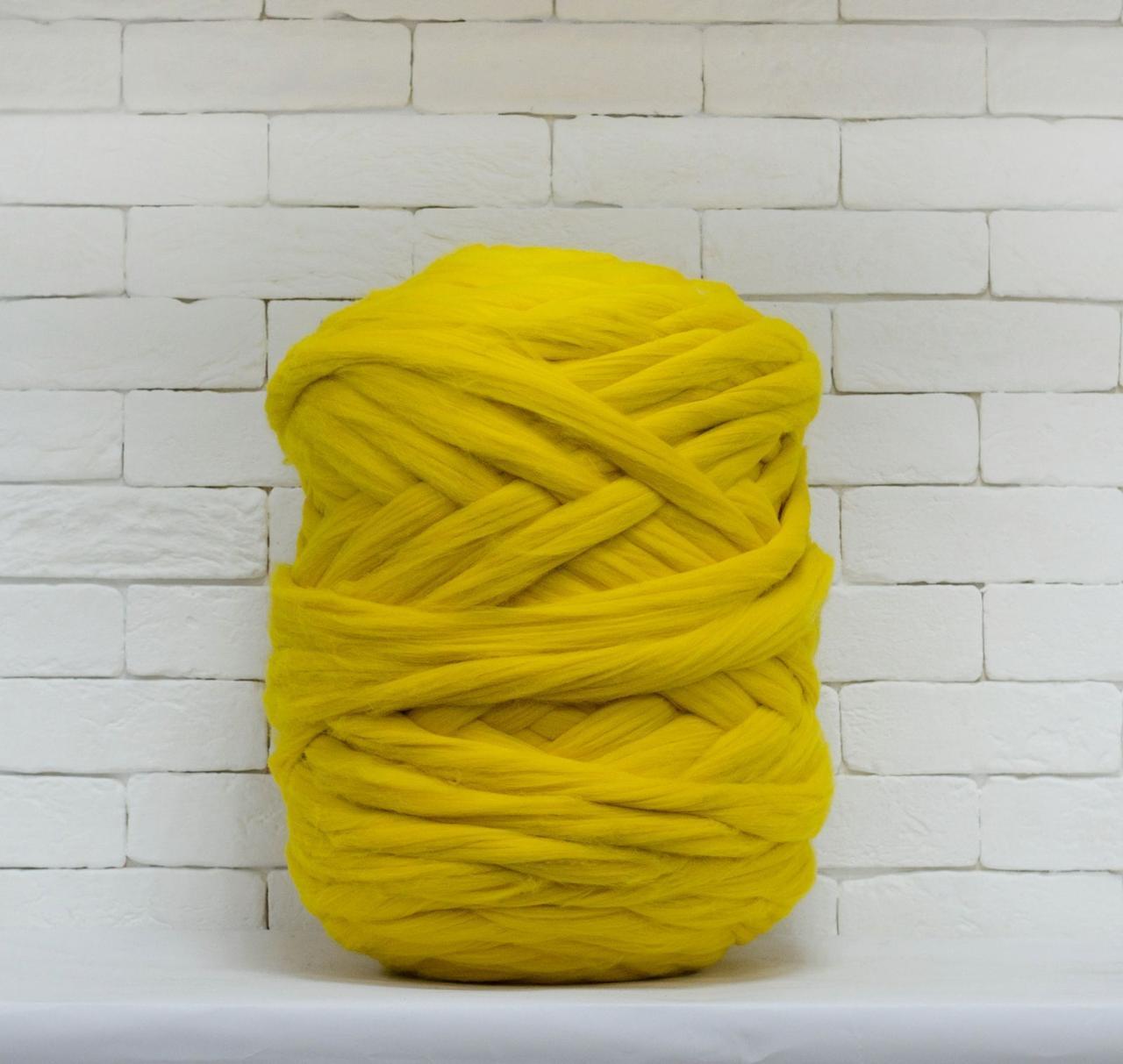 Толстая, крупная пряжа 100% шерсть 1кг (40м). Цвет: Лимонный. 28 мкрн. Топс. Лента для пледов