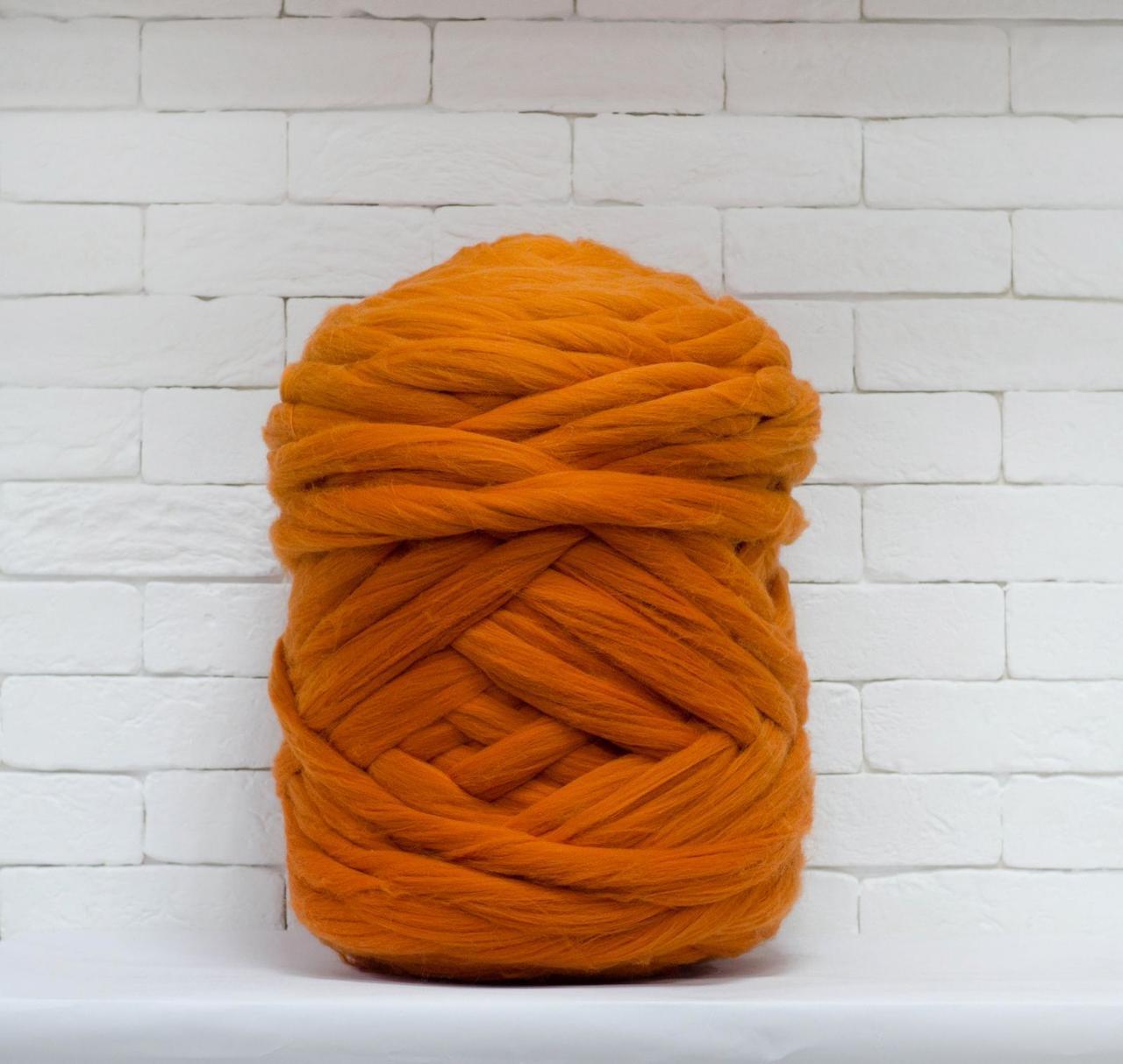 Товста, велика пряжа 100% вовна 1кг (40м). Колір: Морквяний. 28 мкрн. Топсі. Стрічка для пледів