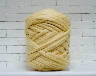 Толстая, крупная пряжа 100% шерсть 1кг (40м). Цвет: Шампань. 28 мкрн. Топс. Лента для пледов