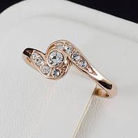 Классное кольцо с кристаллами Swarovski, и позолотой 0217