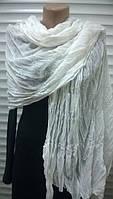 Стильный   шарф палантин  молочного цвета из хлопка  жатка