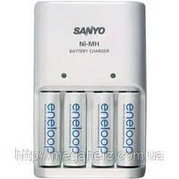 Зарядное устройство для аккумуляторов Sanyo MQN04 + 4 Eneloop