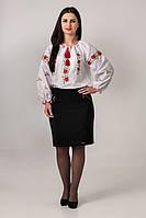 Женская вышитая сорочка свободного прямого кроя
