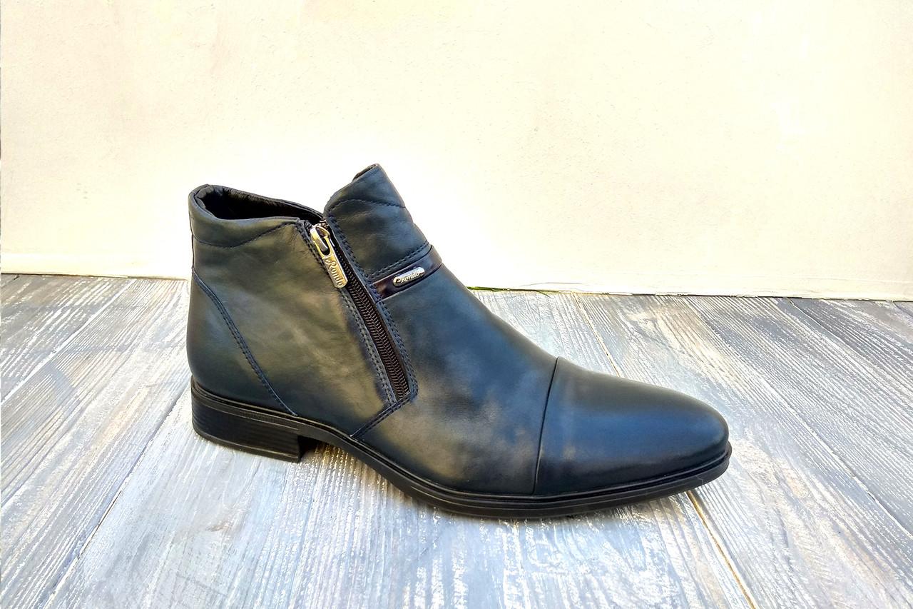 Шкіряні зимові черевики в класичному стилі - теплі і надійні!