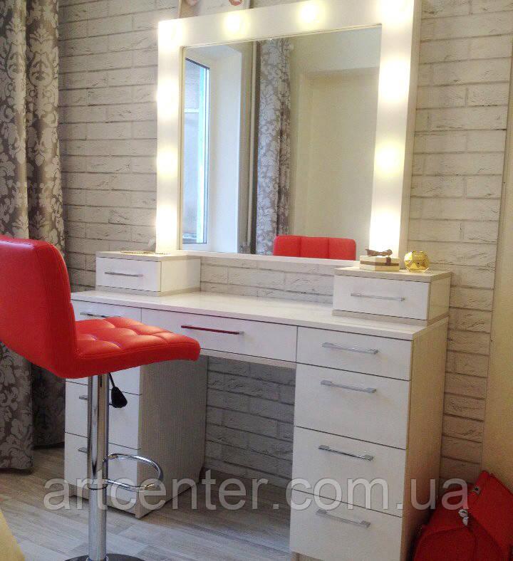 Туалетный стол, белый визажный стол