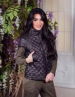 Женская стеганная жилетка с карманами на груди, фото 1
